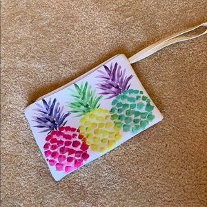 Handbags - Pineapple 🍍 makeup pouch